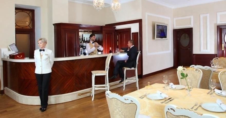 Официальное фото Гранд Отеля Александровский 4 звезды