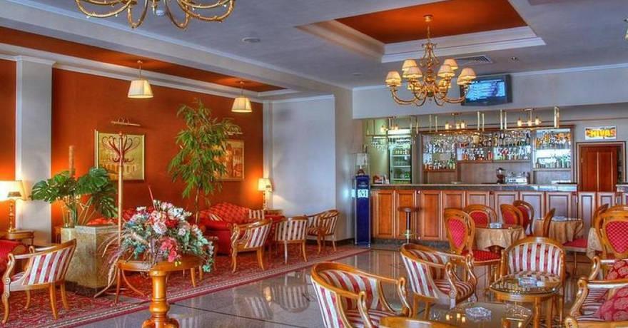 Официальное фото Отеля Red Royal 4 звезды