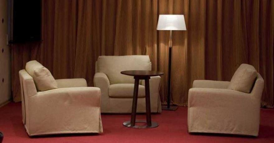 Официальное фото Отеля Женофф 4 звезды