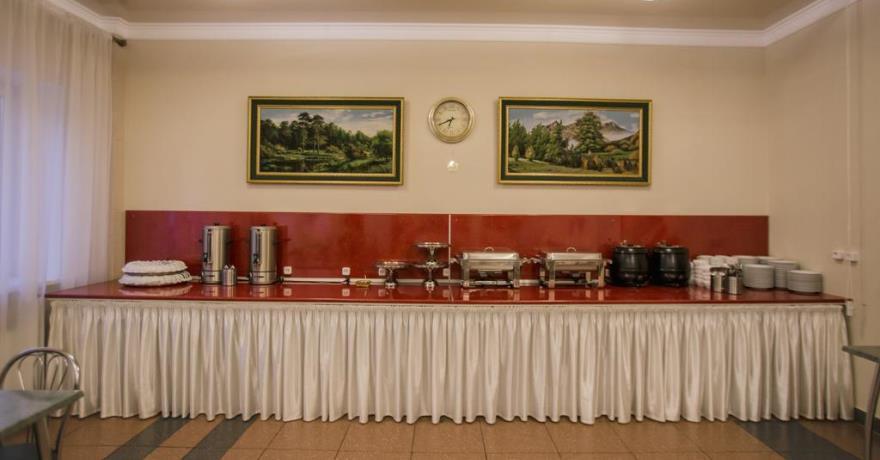 Официальное фото Отеля Снежный барс Домбай  звезды