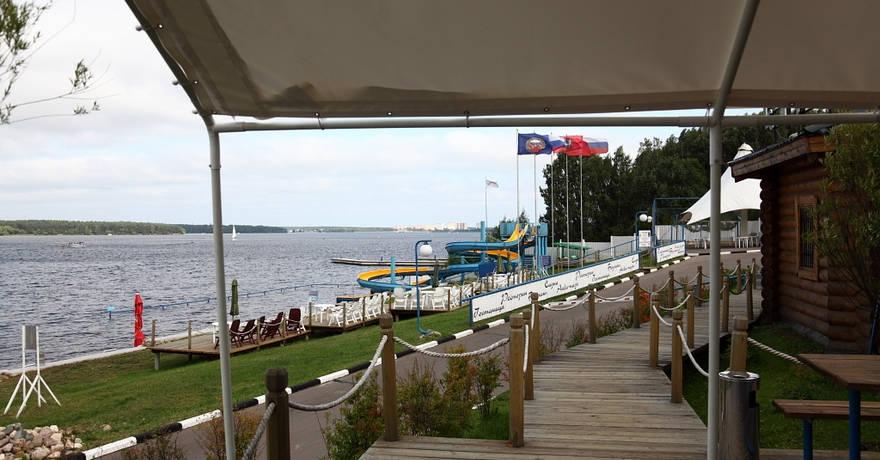 Официальное фото Яхт-клуба Новый Берег 4 звезды
