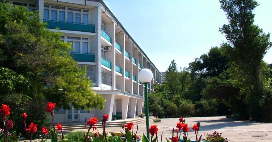 Официальное фото Санатория Полтава-Крым 3 звезды
