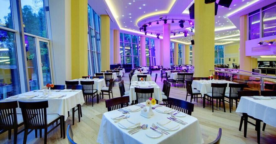 Официальное фото Отеля Лес Арт Резорт 4 звезды