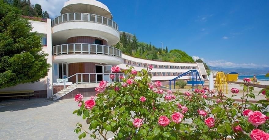 Официальное фото Курортного отеля Морской уголок 2 звезды