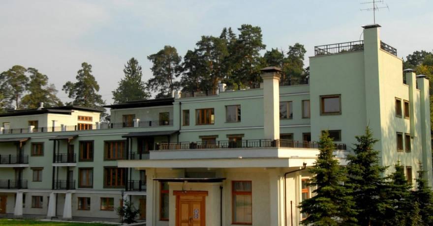 Официальное фото Шале-Отеля Таёжные дачи  звезды
