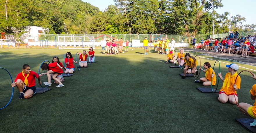 Официальное фото Детского лагеря Зорька  звезды
