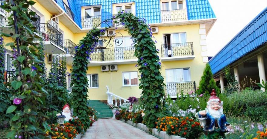 Официальное фото Гостиницы Сказка  звезды