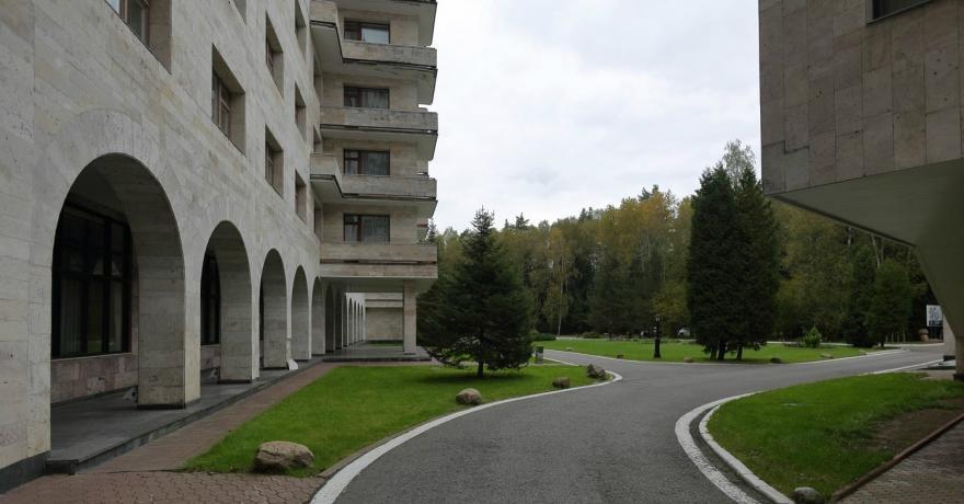 Официальное фото Оздоровительного комплекса Бор 3 звезды