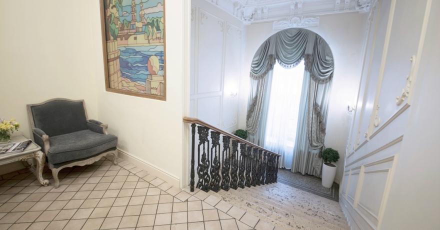 Официальное фото Отеля Астон 4 звезды
