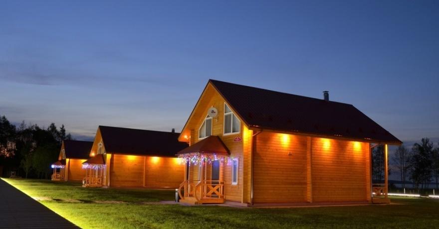 Официальное фото Загородного отеля Лесное озеро  звезды