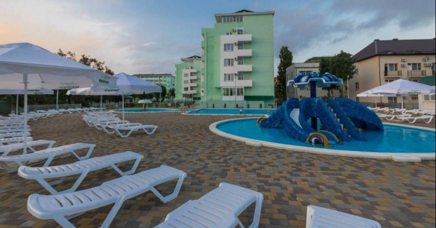 Официальное фото Парк-отеля Лазурный берег 3 звезды
