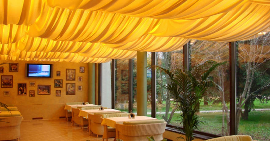 Официальное фото Отеля Артурс Village & SPA Hotel 4 звезды
